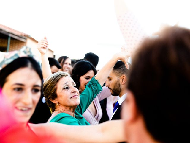 La boda de Miguel y Elena en Llerena, Badajoz 75