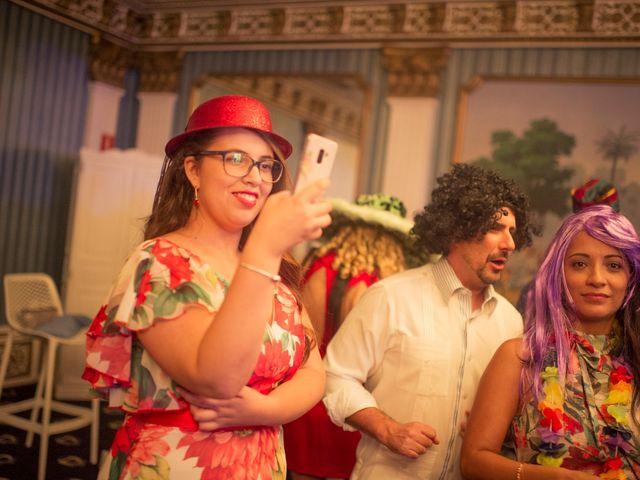 La boda de Roberto y Pina en Zahara De Los Atunes, Cádiz 32