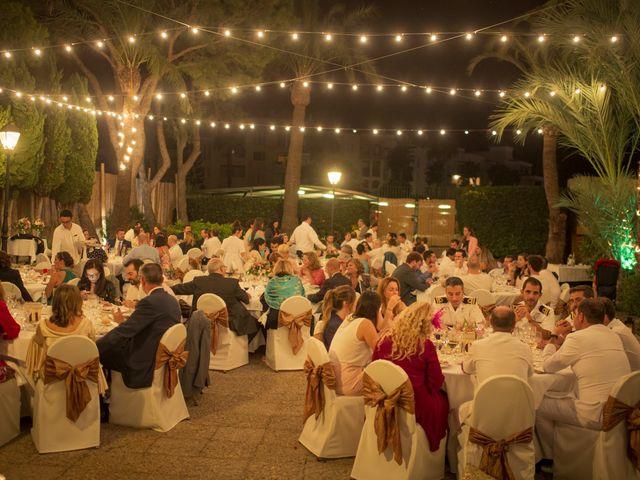 La boda de Roberto y Pina en Zahara De Los Atunes, Cádiz 43