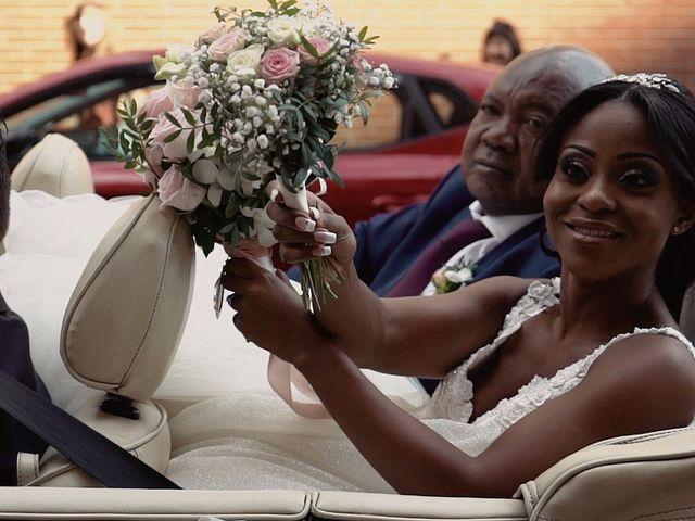 La boda de Javier y Mirey en Miraflores De La Sierra, Madrid 36