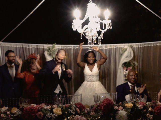 La boda de Javier y Mirey en Miraflores De La Sierra, Madrid 42