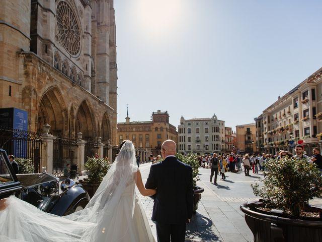 La boda de Roger y Sara en Cembranos, León 24