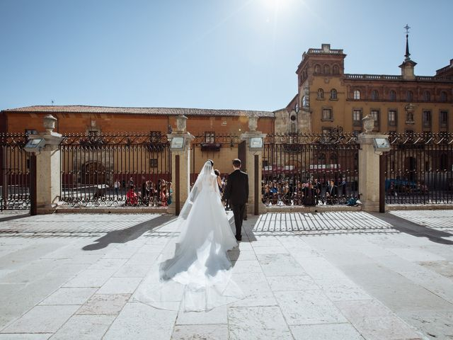 La boda de Roger y Sara en Cembranos, León 36