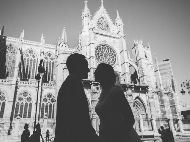 La boda de Roger y Sara en Cembranos, León 42