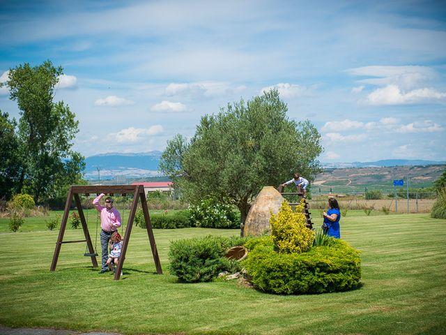 La boda de Enrique y Luisa en Navarrete, La Rioja 127