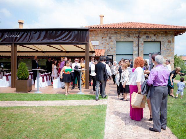 La boda de Arkaitz y Beatriz en Loiu, Vizcaya 11
