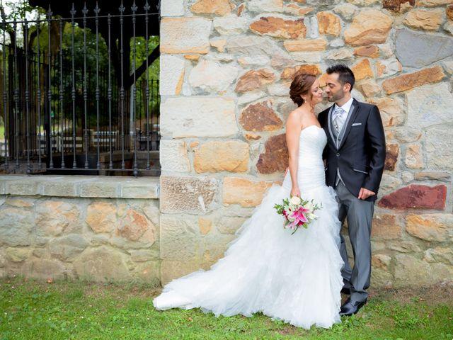 La boda de Arkaitz y Beatriz en Loiu, Vizcaya 32
