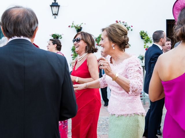 La boda de Jorge y Carmen en Priego De Cordoba, Córdoba 33