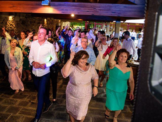 La boda de Suso y Laura en Ordes (Ordes), A Coruña 43