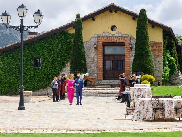 La boda de Javier y Clara en Collado Villalba, Madrid 36