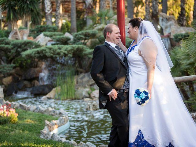 La boda de VICTOR y REBECA en Callosa De Segura, Alicante 28