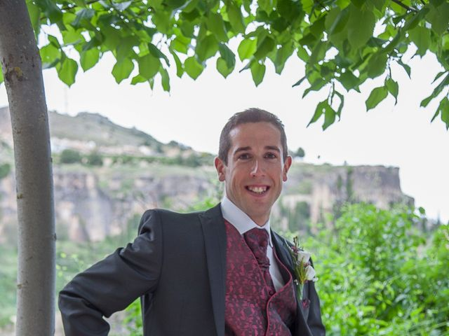 La boda de HUGO y ERIKA  en Cuenca, Cuenca 8