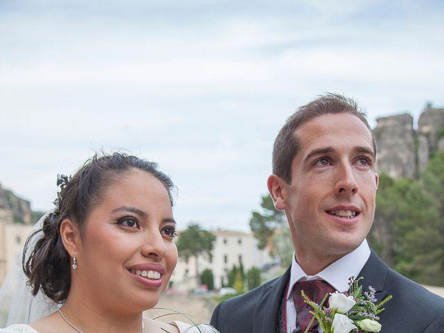 La boda de HUGO y ERIKA  en Cuenca, Cuenca 30