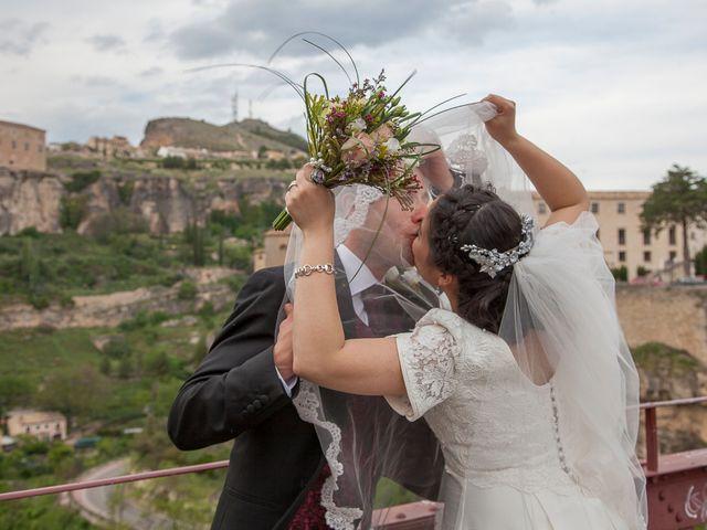 La boda de HUGO y ERIKA  en Cuenca, Cuenca 33