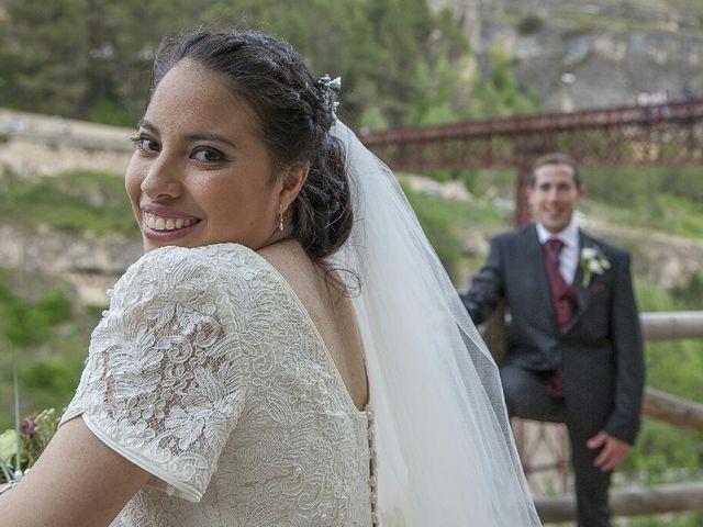 La boda de HUGO y ERIKA  en Cuenca, Cuenca 54