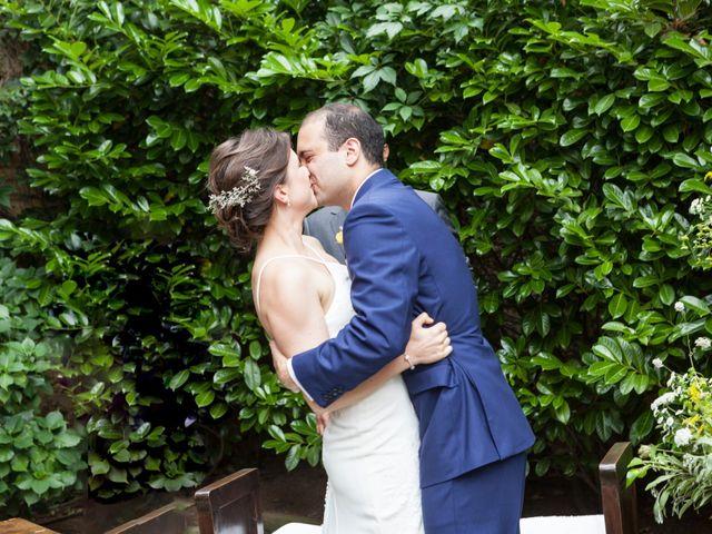 La boda de Adrés y Shara en Oviedo, Asturias 2