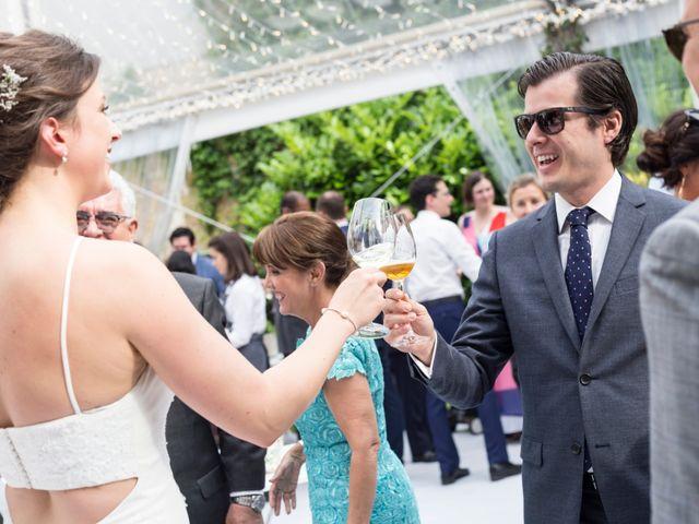 La boda de Adrés y Shara en Oviedo, Asturias 17