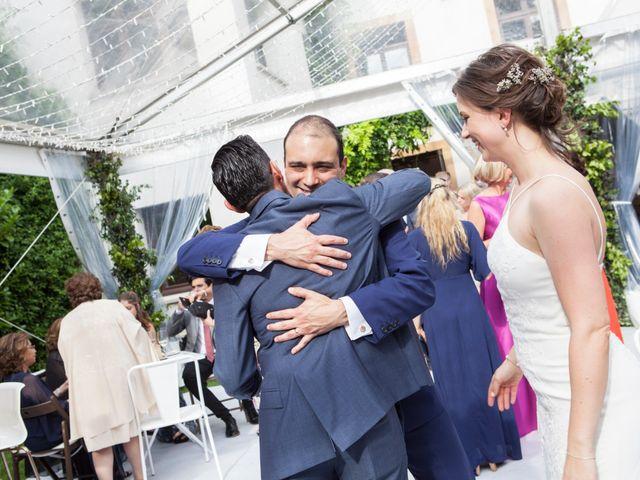 La boda de Adrés y Shara en Oviedo, Asturias 19