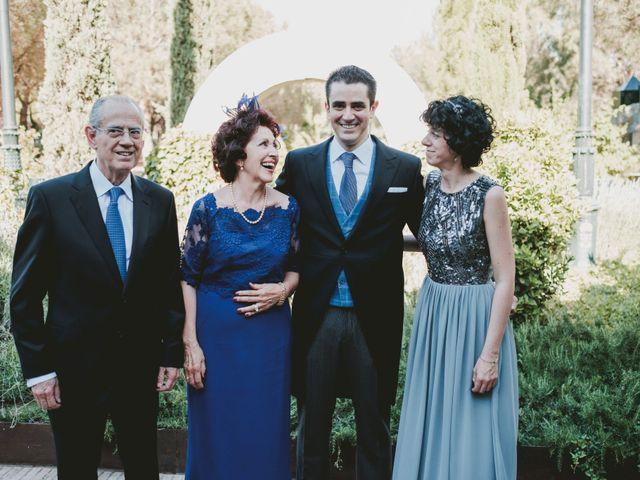 La boda de Vicente y Caridad en Valdetorres De Jarama, Madrid 32
