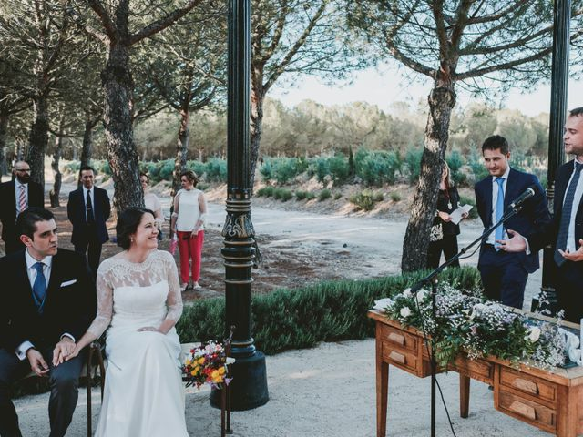 La boda de Vicente y Caridad en Valdetorres De Jarama, Madrid 75
