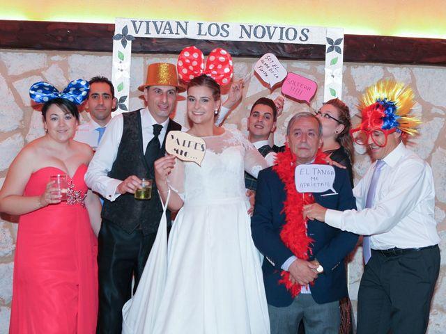 La boda de David y Ana en Arroyo De La Encomienda, Valladolid 28