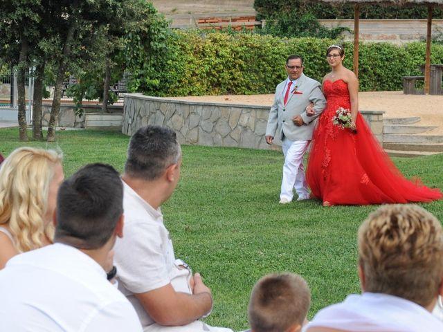 La boda de Carol y Nuria en Llagostera, Girona 19