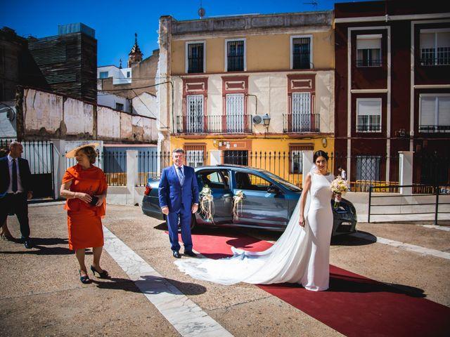La boda de Ángel y Júlia en Badajoz, Badajoz 44