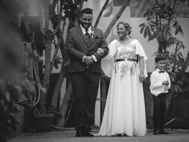 La boda de Julio y Kilian en Candelaria, Santa Cruz de Tenerife 11