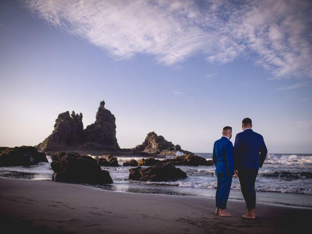 La boda de Julio y Kilian en Candelaria, Santa Cruz de Tenerife 46