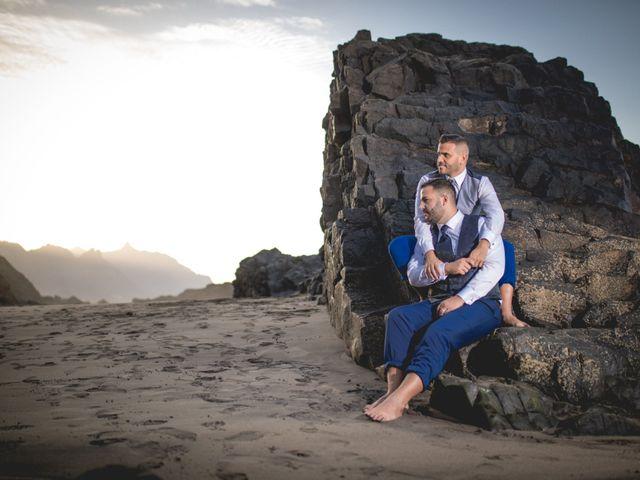 La boda de Julio y Kilian en Candelaria, Santa Cruz de Tenerife 48