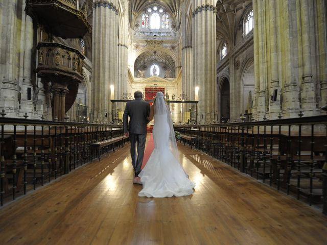 La boda de Carlos y Patricia en Villamayor, Salamanca 27