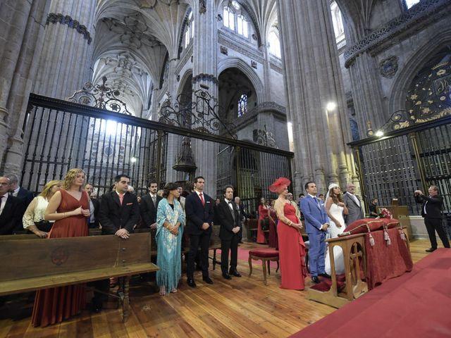 La boda de Carlos y Patricia en Villamayor, Salamanca 30