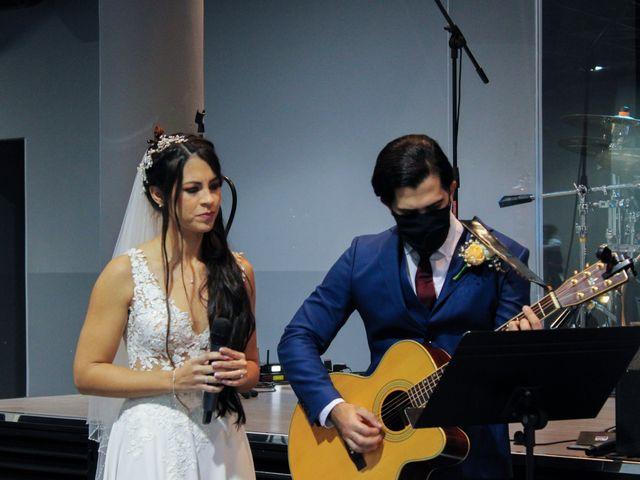 La boda de Emanuel y Jelsy en Sant Boi De Llobregat, Barcelona 32