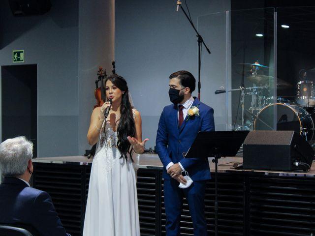 La boda de Emanuel y Jelsy en Sant Boi De Llobregat, Barcelona 37