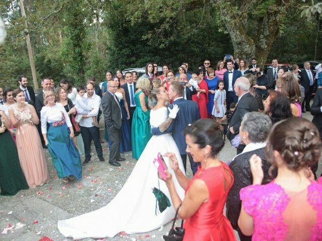 La boda de Daniel y Sabela en Noia, A Coruña 15