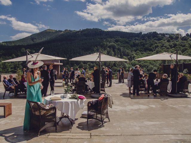 La boda de Jon y Raquel en Gordexola, Vizcaya 43