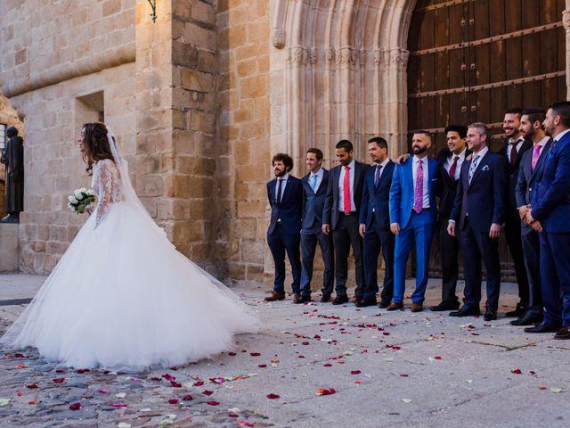 La boda de Pepe y Montse en Cáceres, Cáceres 23