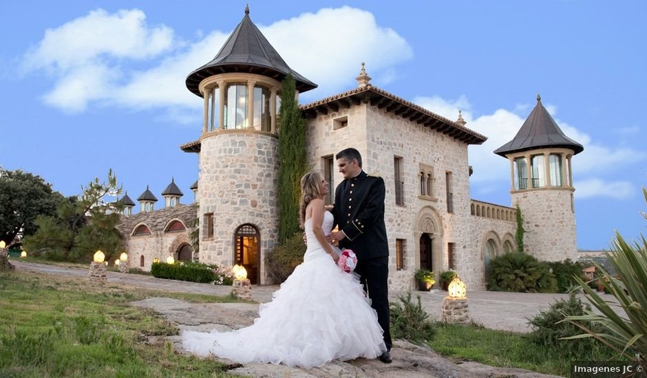La boda de Miguel Ángel y Beatriz en Mangiron, Madrid