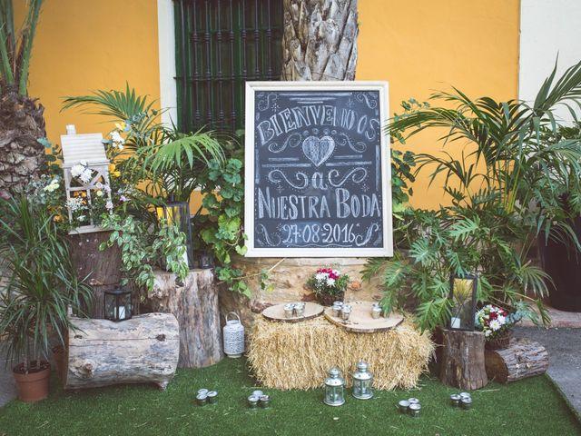 La boda de Arturo y Isabel en Godella, Valencia 13