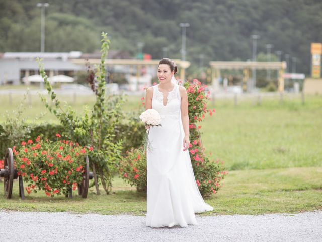 La boda de Ion y Ana en Gorraiz, Navarra 5