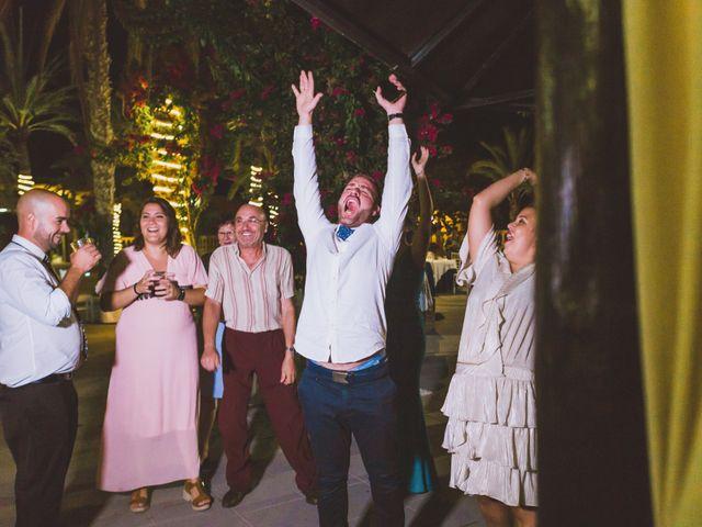 La boda de Juanmi y Vero en Sant Vicent Del Raspeig/san Vicente Del, Alicante 30