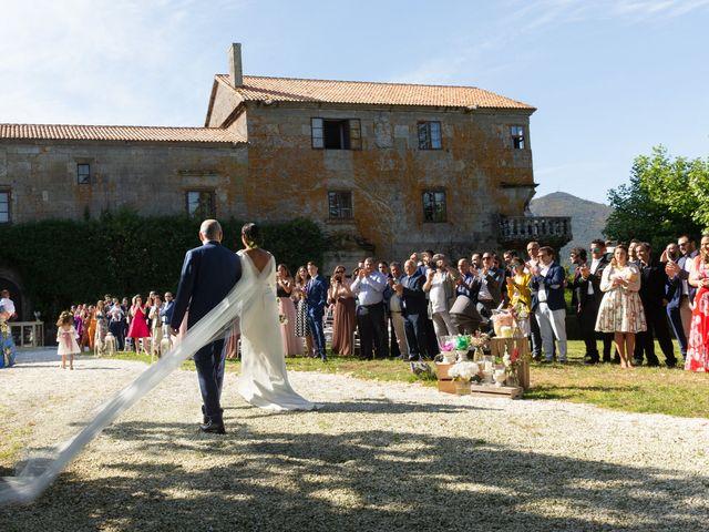 La boda de José y Betty en A Pobra Do Caramiñal, A Coruña 18