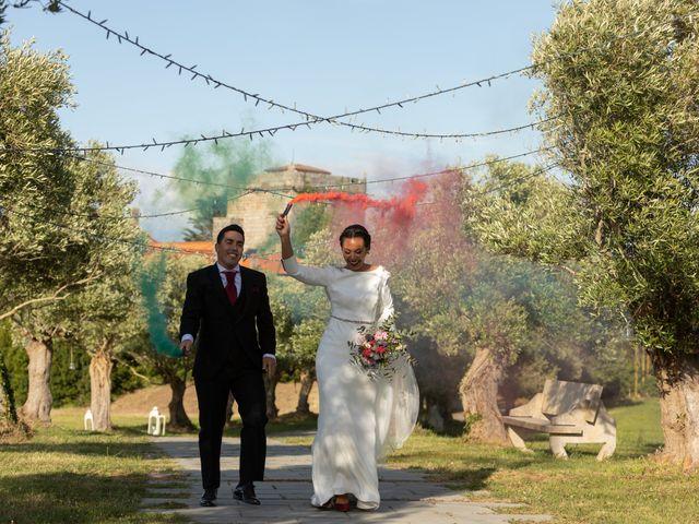 La boda de José y Betty en A Pobra Do Caramiñal, A Coruña 56