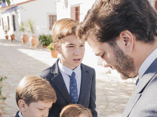 La boda de María y Santi en Oliva De La Frontera, Badajoz 25