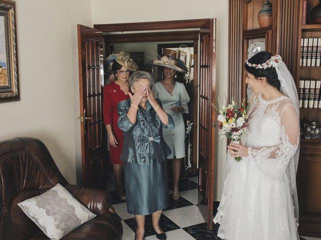 La boda de María y Santi en Oliva De La Frontera, Badajoz 43