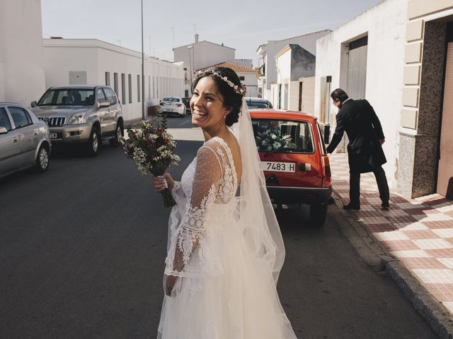 La boda de María y Santi en Oliva De La Frontera, Badajoz 45