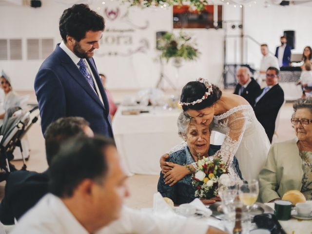 La boda de María y Santi en Oliva De La Frontera, Badajoz 81