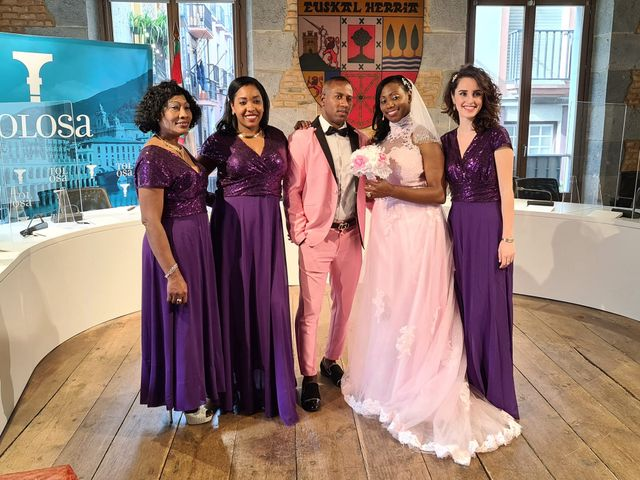 La boda de Aliuska  y Royddis en Tolosa, Guipúzcoa 6