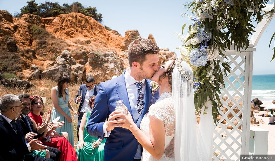 La boda de Carlos y Nadia en Conil De La Frontera, Cádiz