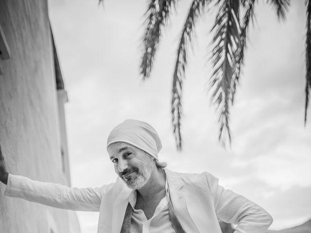 La boda de Martín y Elena en Portinatx, Islas Baleares 12